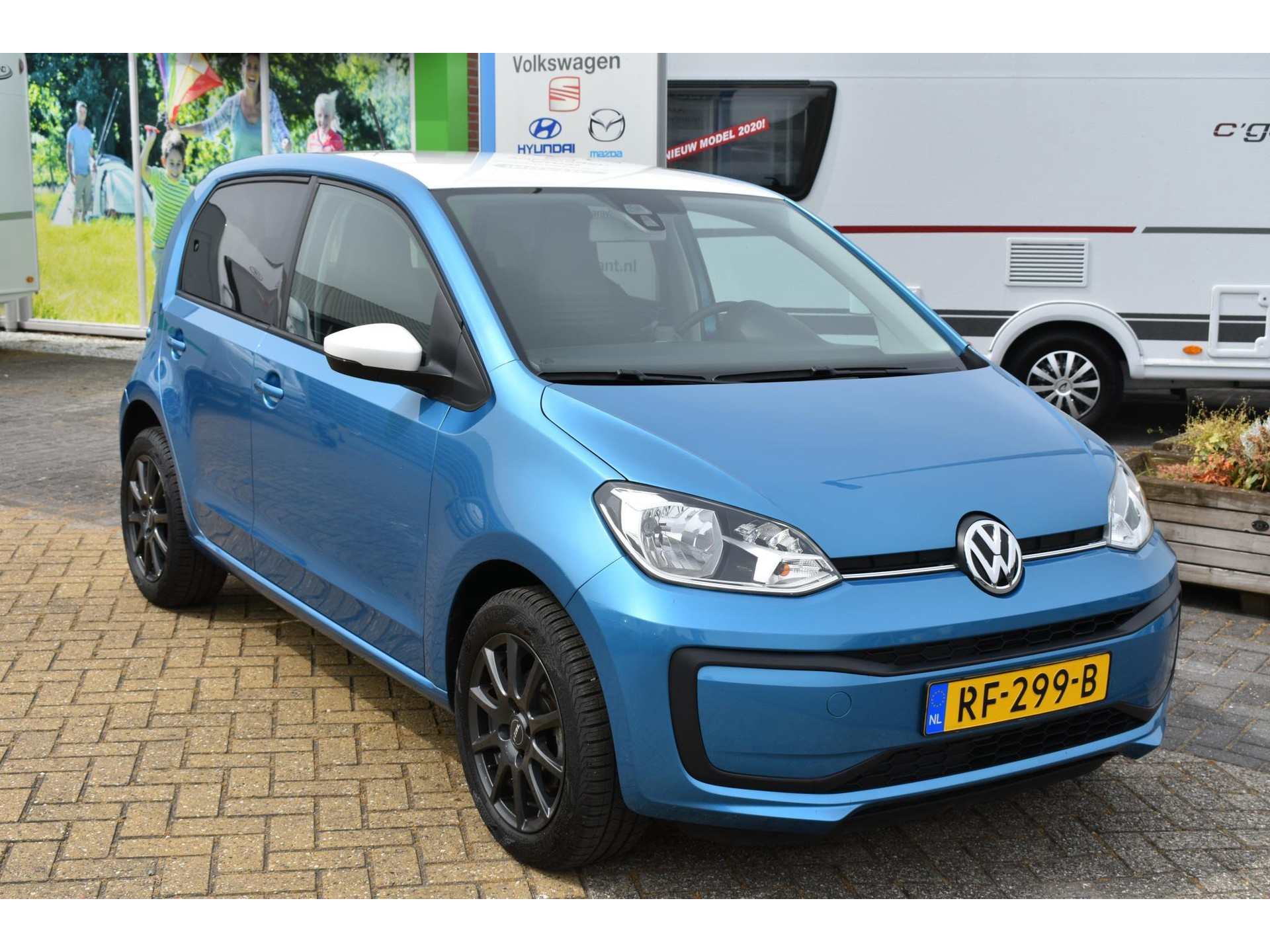 Volkswagen up! 1.0 BMT Move up! Lage km stand!